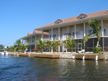 Executive Rental - Yacht Club Villas for sale, , Seven Mile Beach Property