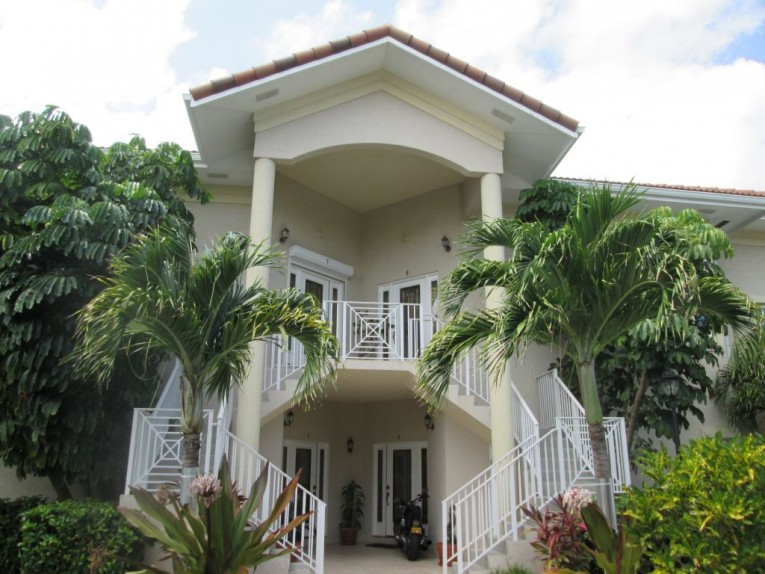 Yacht Club Villas #7 c/w Dock - Cayman Condominiums Property