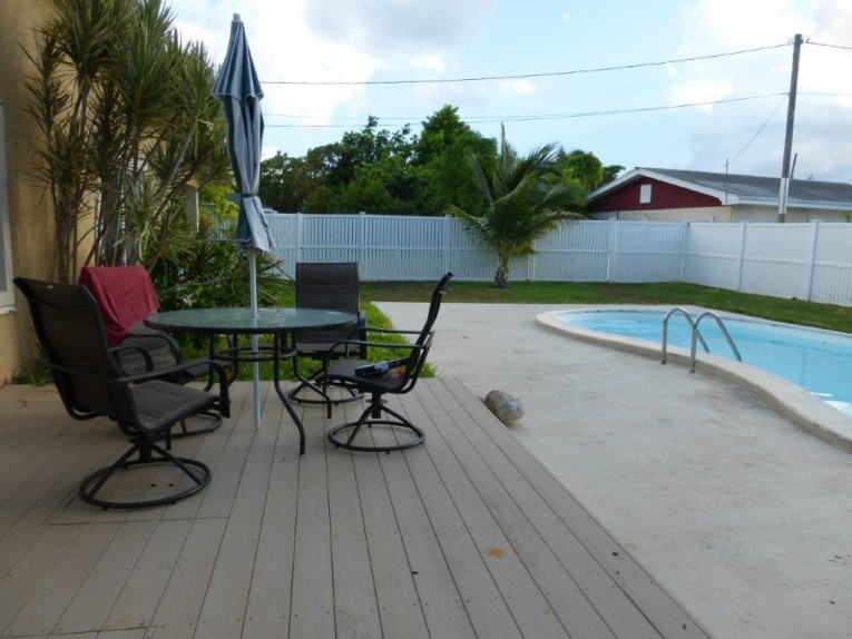 Family Home with Pool - Residential Properties Listing