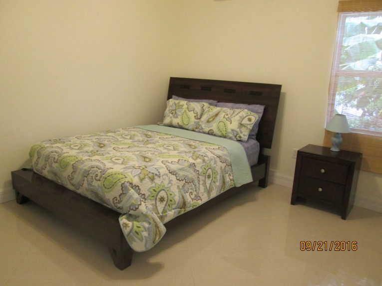 One bed modern in Savannah - Cayman Condominiums Property