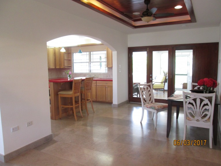 SPACIOUS FAMILY HOME - Cayman Residential Property