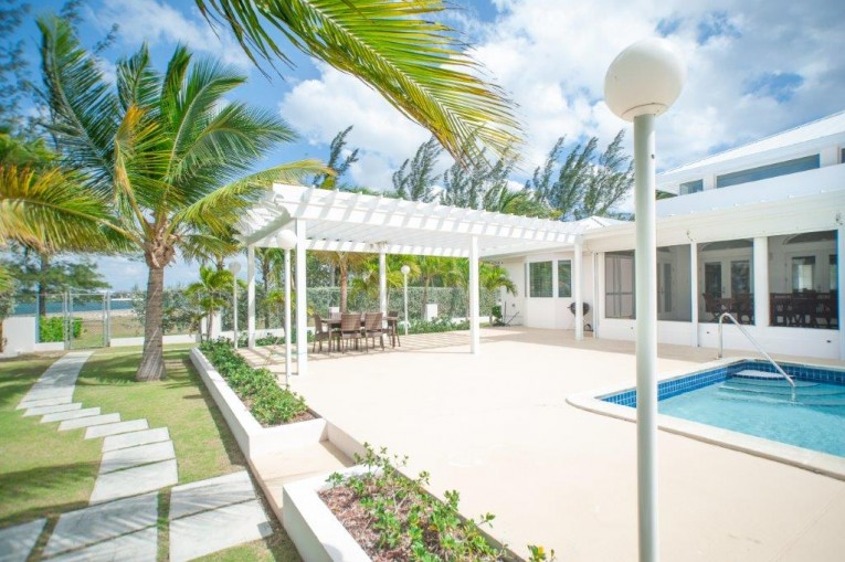 Water Front Home - Cayman Residential Property for For Rent