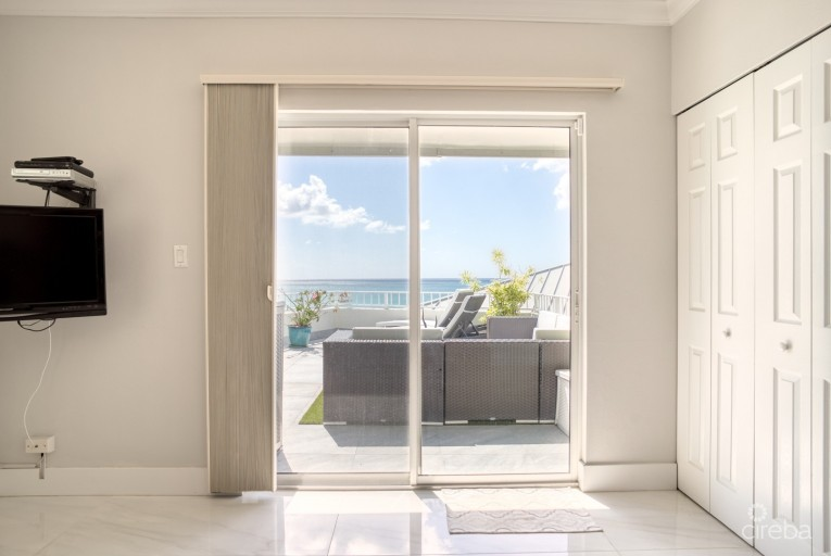 TAMARIND BAY  - RARE PENTHOUSE & DECK - Cayman Residential Property for For Sale