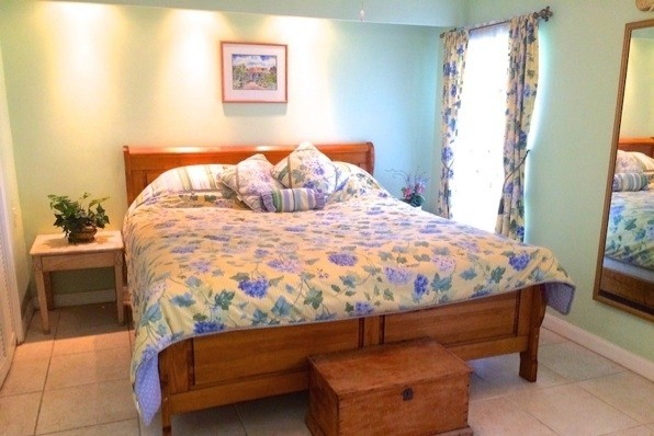 #7 GRAPETREE ON SEVEN MILE BEACH - Cayman Residential Property for For Sale
